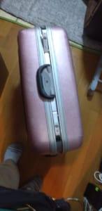 開かなくなったスーツケース